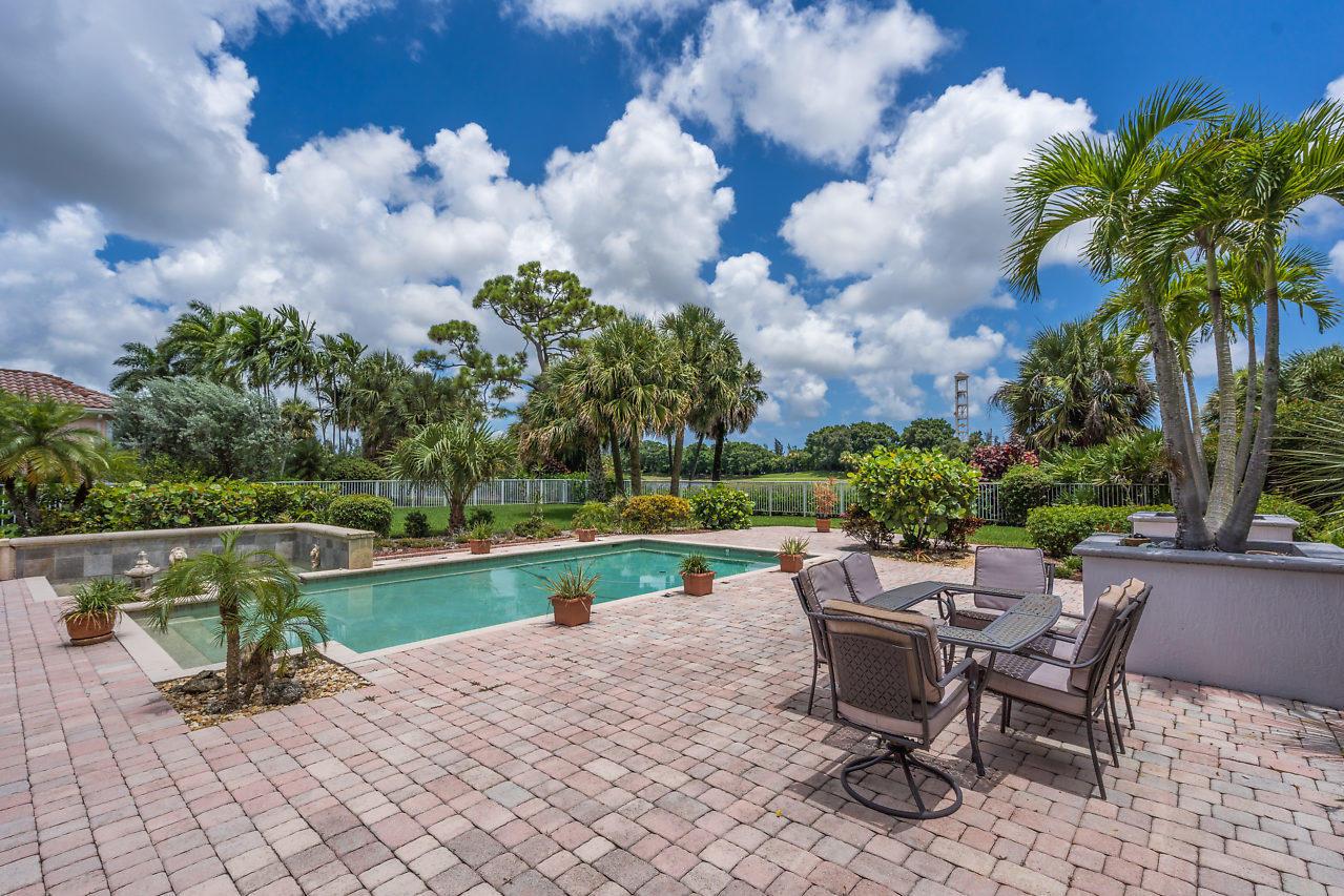 8164 Lakeview Drive West Palm Beach, FL 33412 photo 6