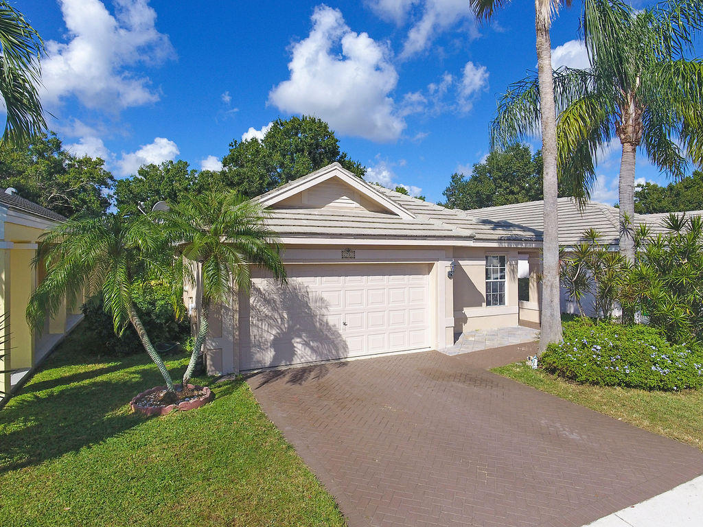 Home for sale in FOREST RIDGE CLUSTER HOME Davie Florida