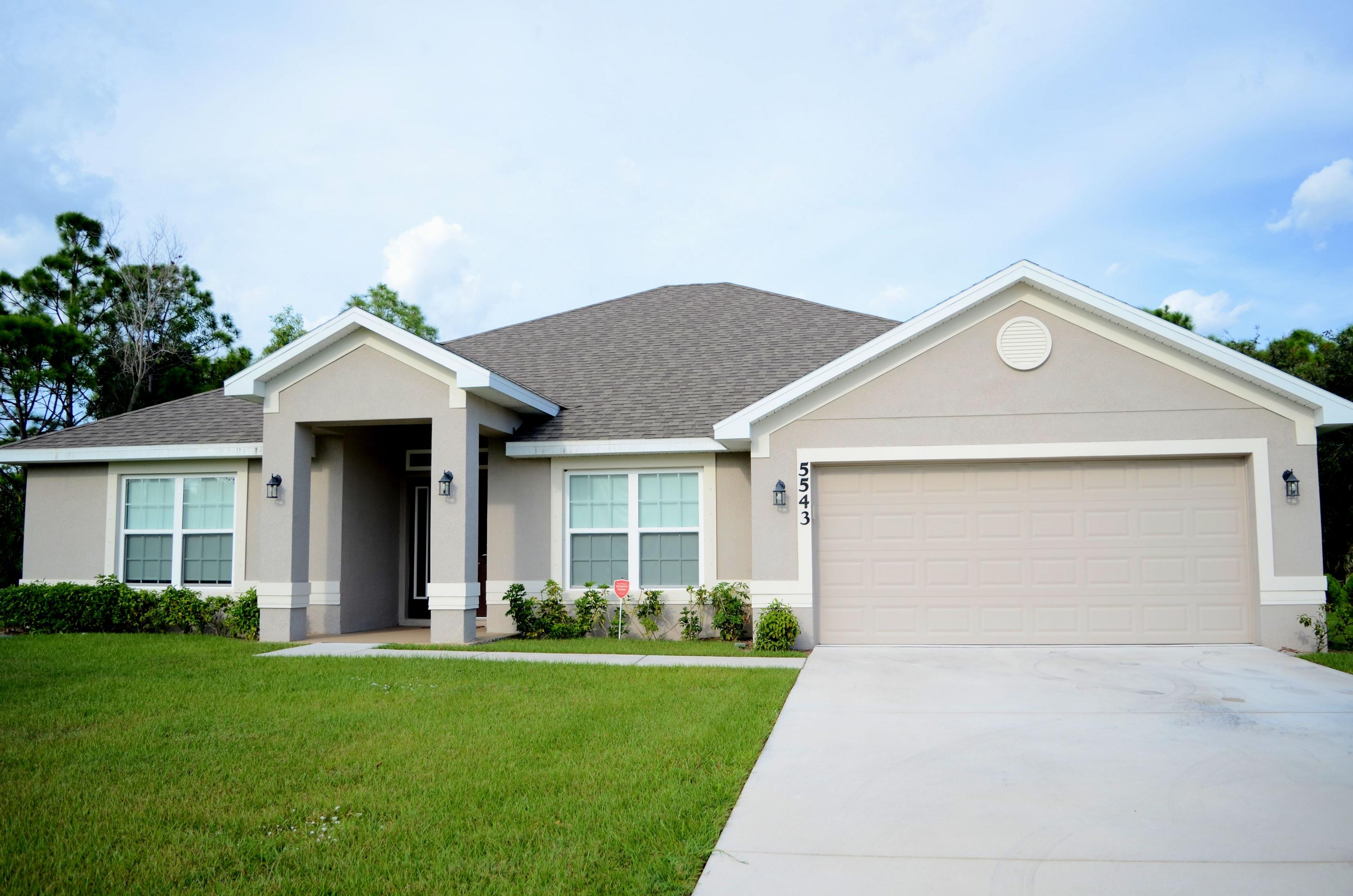 5543 NW Kappa Court, Port Saint Lucie, Florida