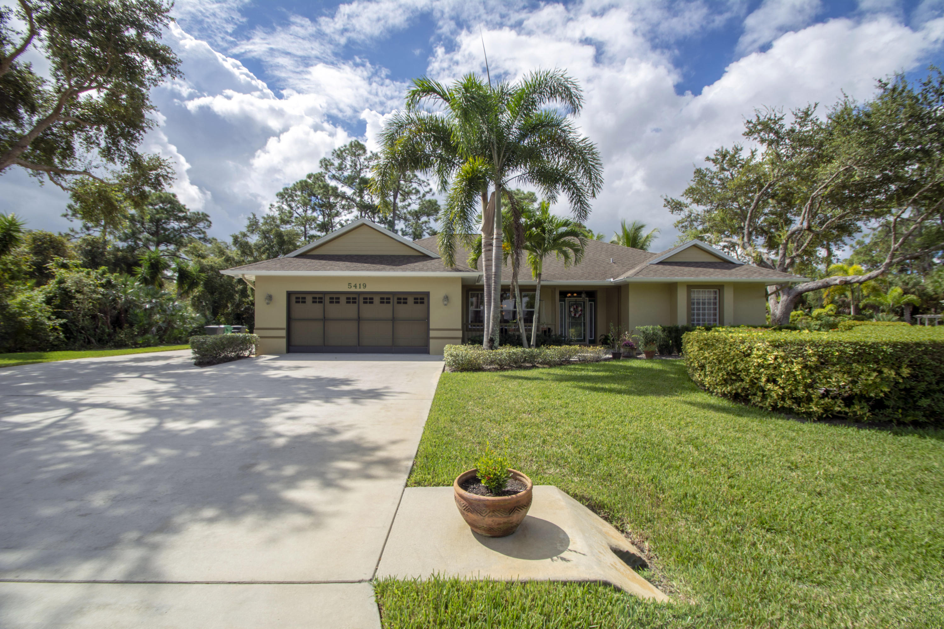 Home for sale in SOUTHERN OAKS ESTATES Fort Pierce Florida