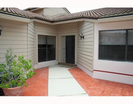 473 Prestwick Circle, Palm Beach Gardens, Florida 33418, 2 Bedrooms Bedrooms, ,2 BathroomsBathrooms,F,Townhouse,Prestwick,RX-10476528
