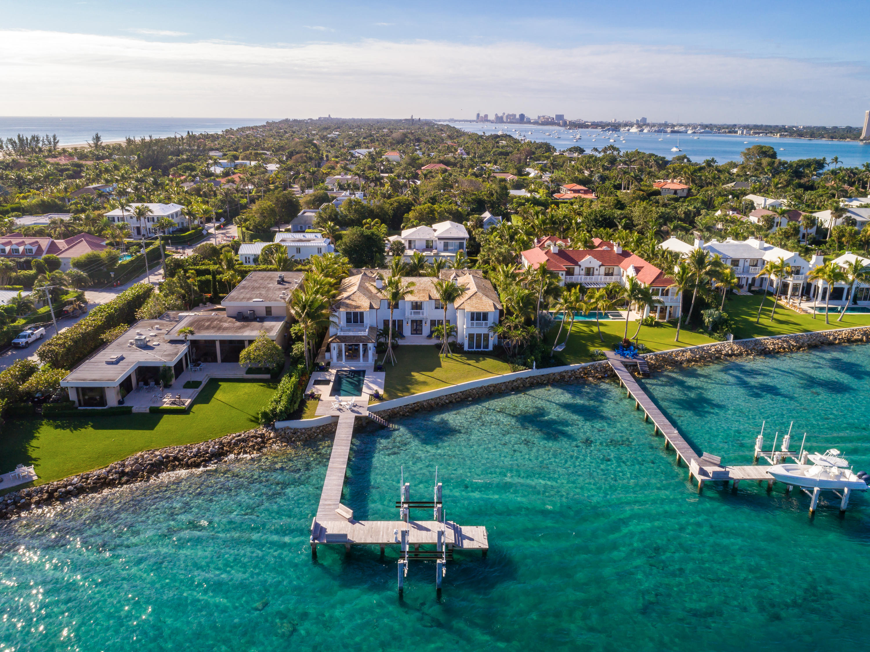 FLORIDIAN YACHT & GOLF CLUB HOMES