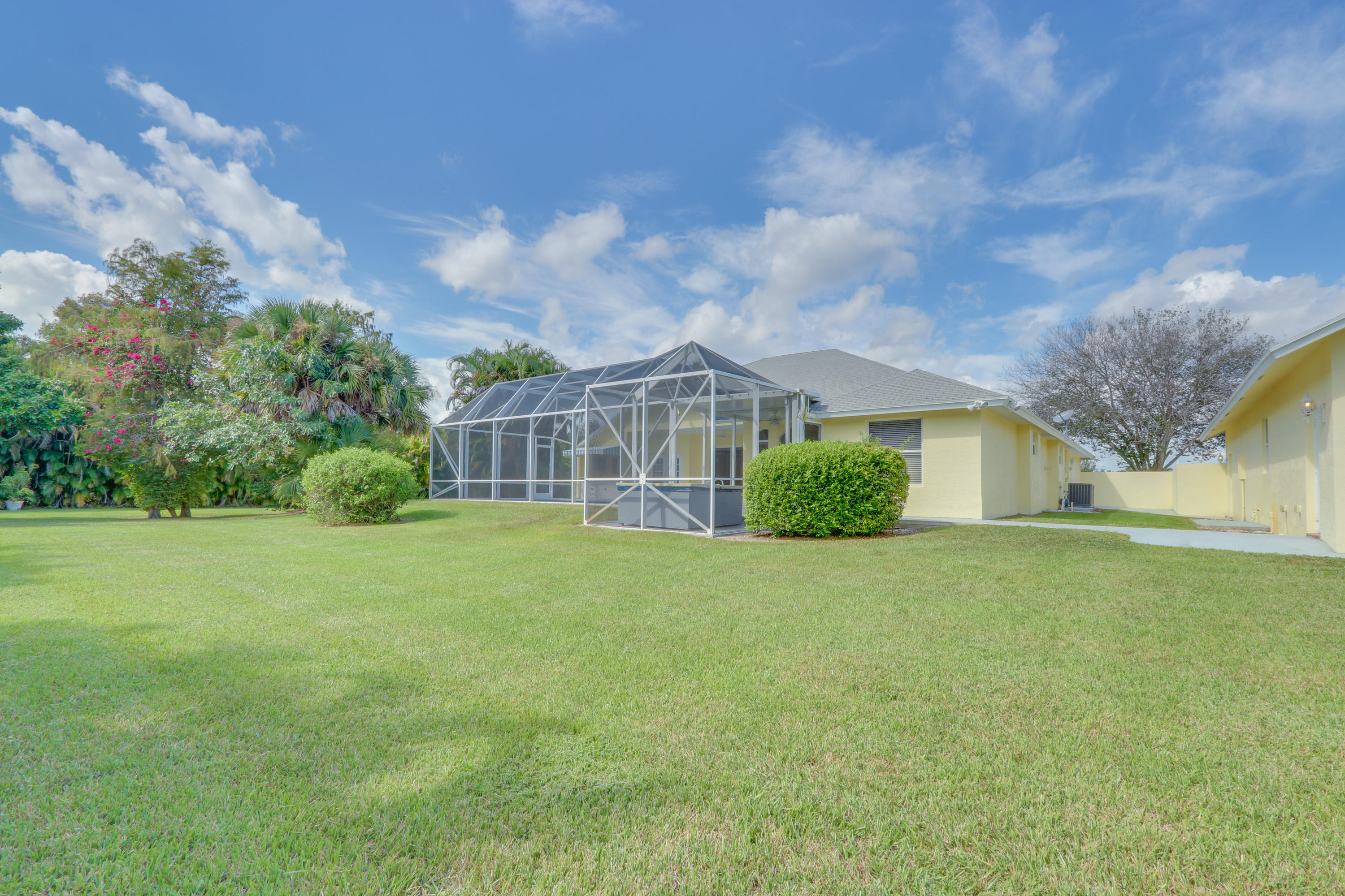 PALM BEACH COUNTRY ESTATES PROPERTY