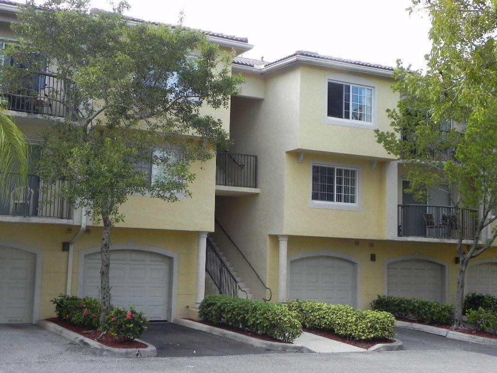 1100 Crestwood Court, 1118 - Royal Palm Beach, Florida