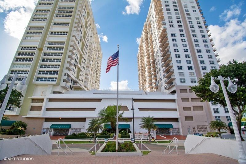 Home for sale in Pompano Beach Club Pompano Beach Florida