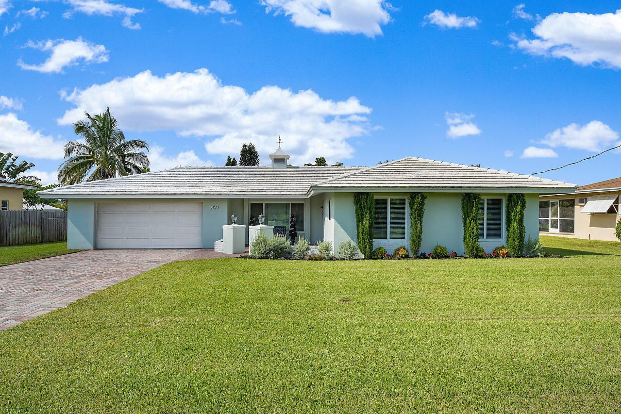 Home for sale in Chapel Hill Boynton Beach Florida