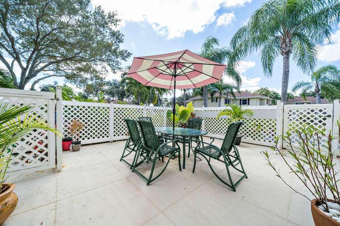 16 Amherst Court C Royal Palm Beach, FL 33411 photo 4