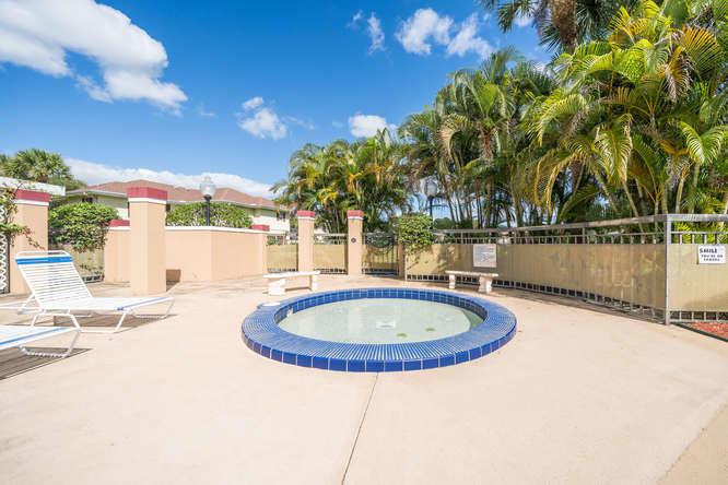 16 Amherst Court C Royal Palm Beach, FL 33411 photo 33