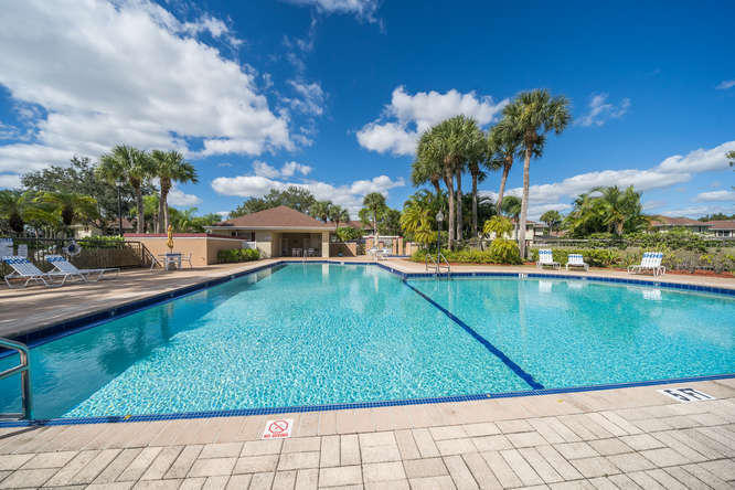 16 Amherst Court C Royal Palm Beach, FL 33411 photo 35
