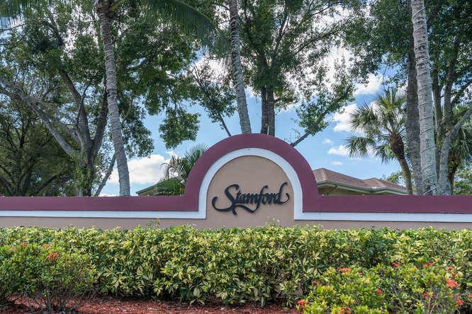 16 Amherst Court C Royal Palm Beach, FL 33411 photo 2
