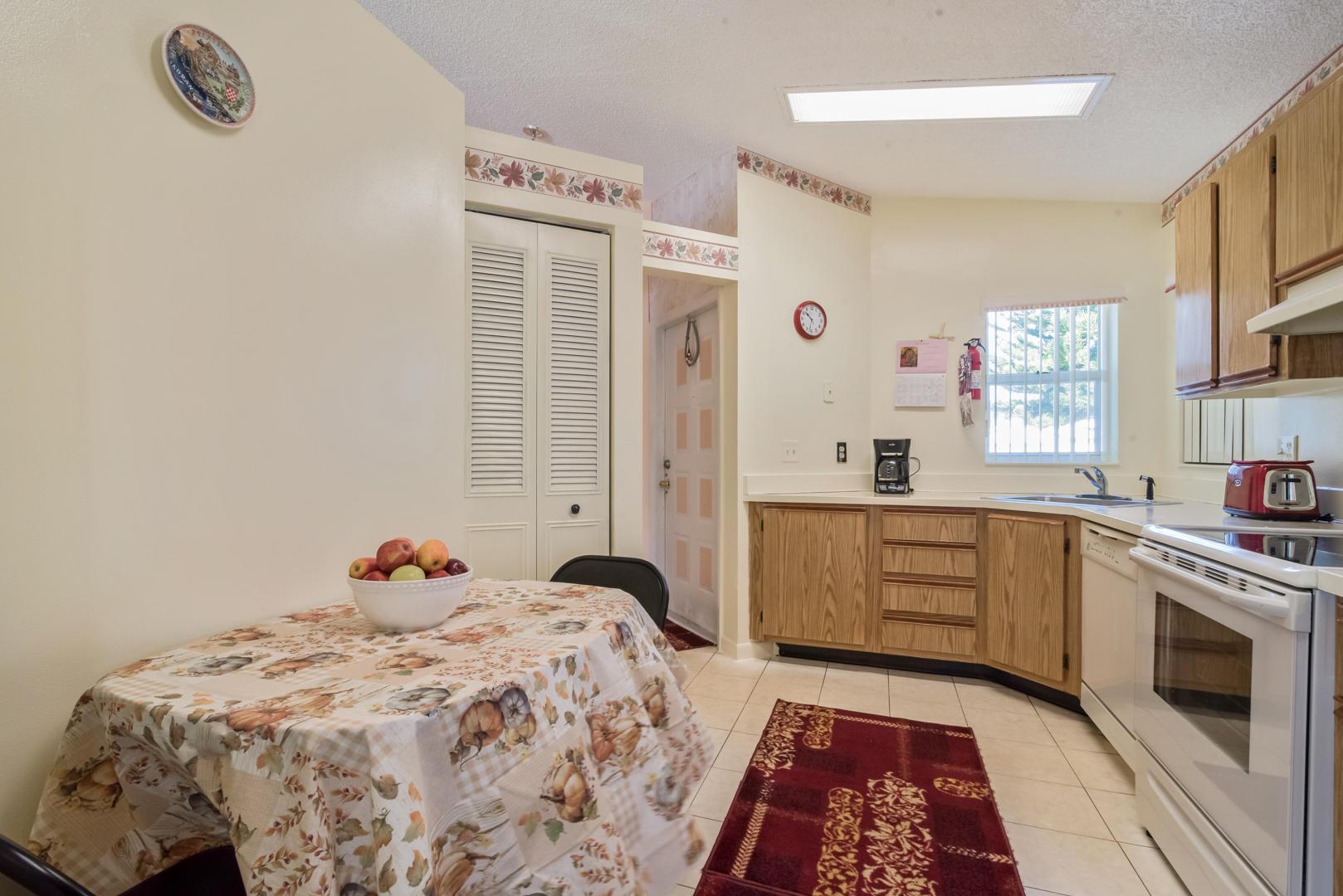 1208 Pine Sage Circle West Palm Beach, FL 33409 photo 12