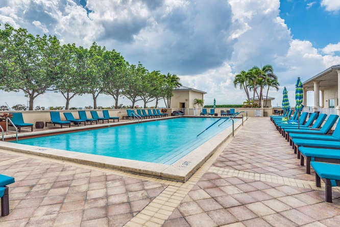 2640 Lake Shore Drive Ph2412, Riviera Beach, Florida 33404, 2 Bedrooms Bedrooms, ,2 BathroomsBathrooms,A,Condominium,Lake Shore,RX-10478448