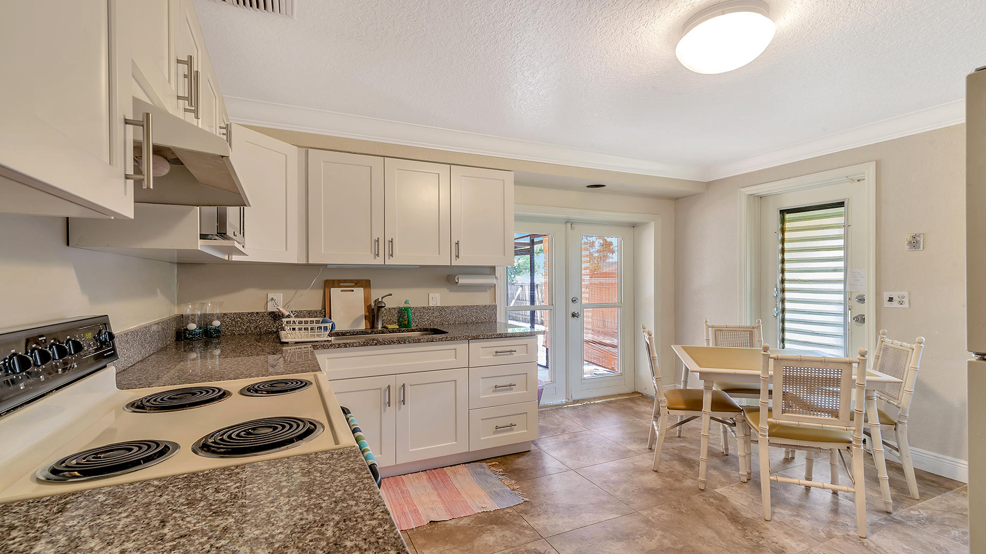 402 W Mango Street Lantana, FL 33462 photo 9