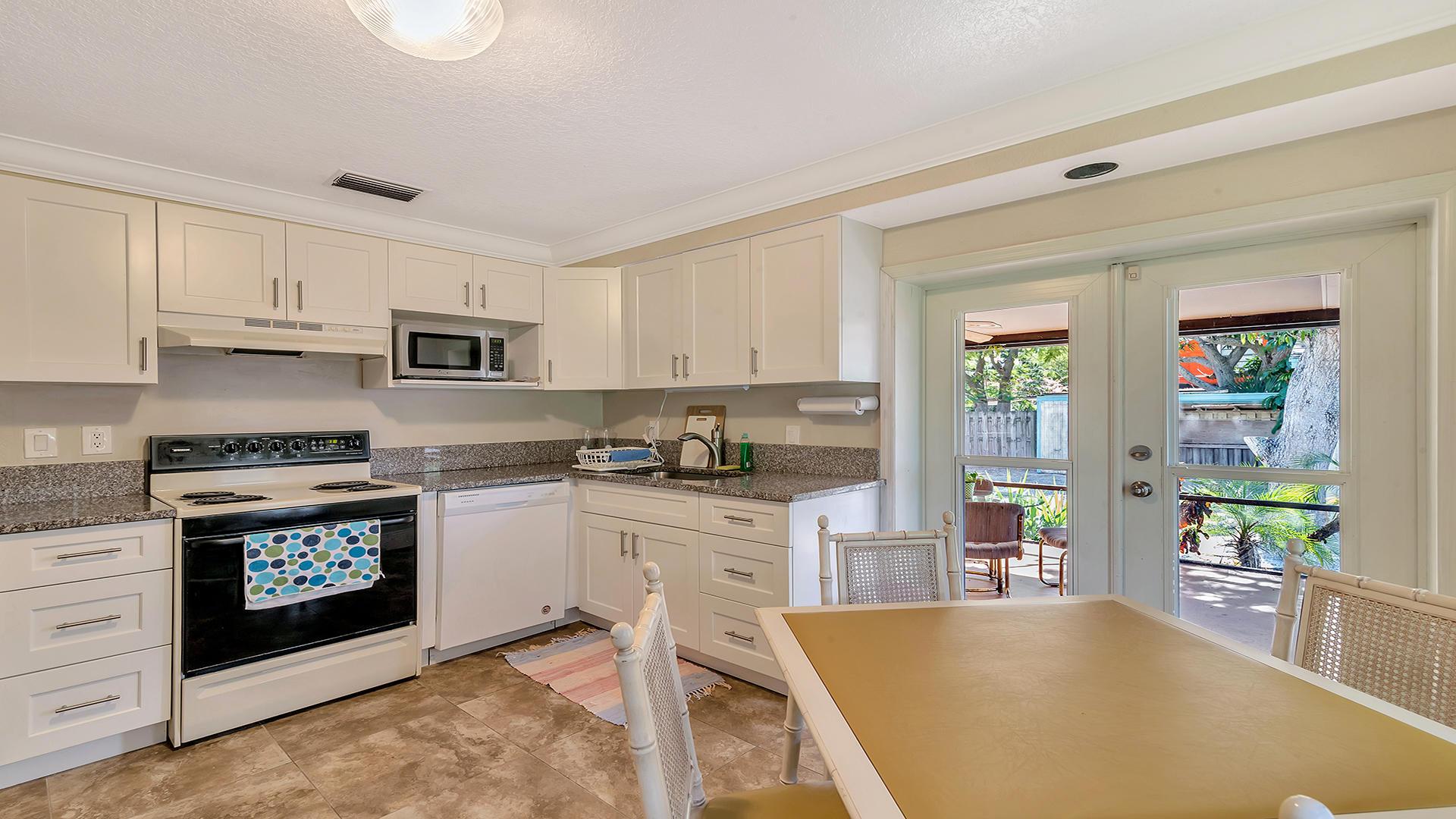 402 W Mango Street Lantana, FL 33462 photo 10