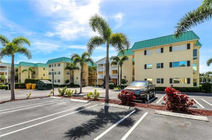 9 Colonial Club Drive 205 Boynton Beach, FL 33435 photo 19