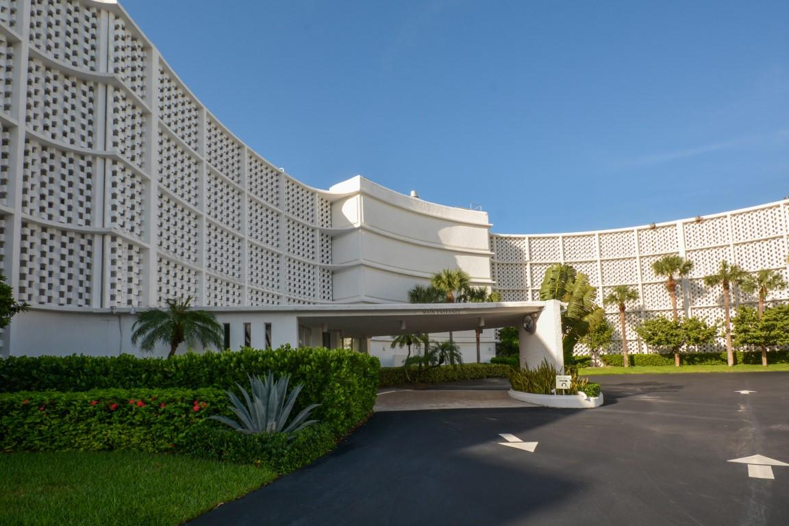 2760 S Ocean Boulevard, 109 - Palm Beach, Florida