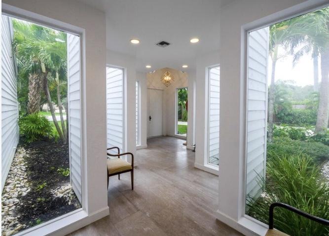 4 Interlachen Circle West Palm Beach, FL 33401