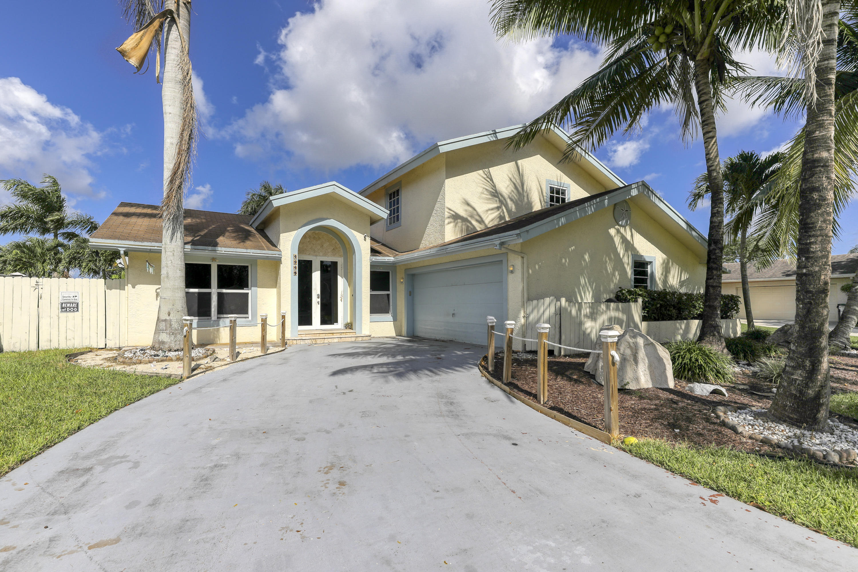 4945 NW 6th Street - Coconut Creek, Florida