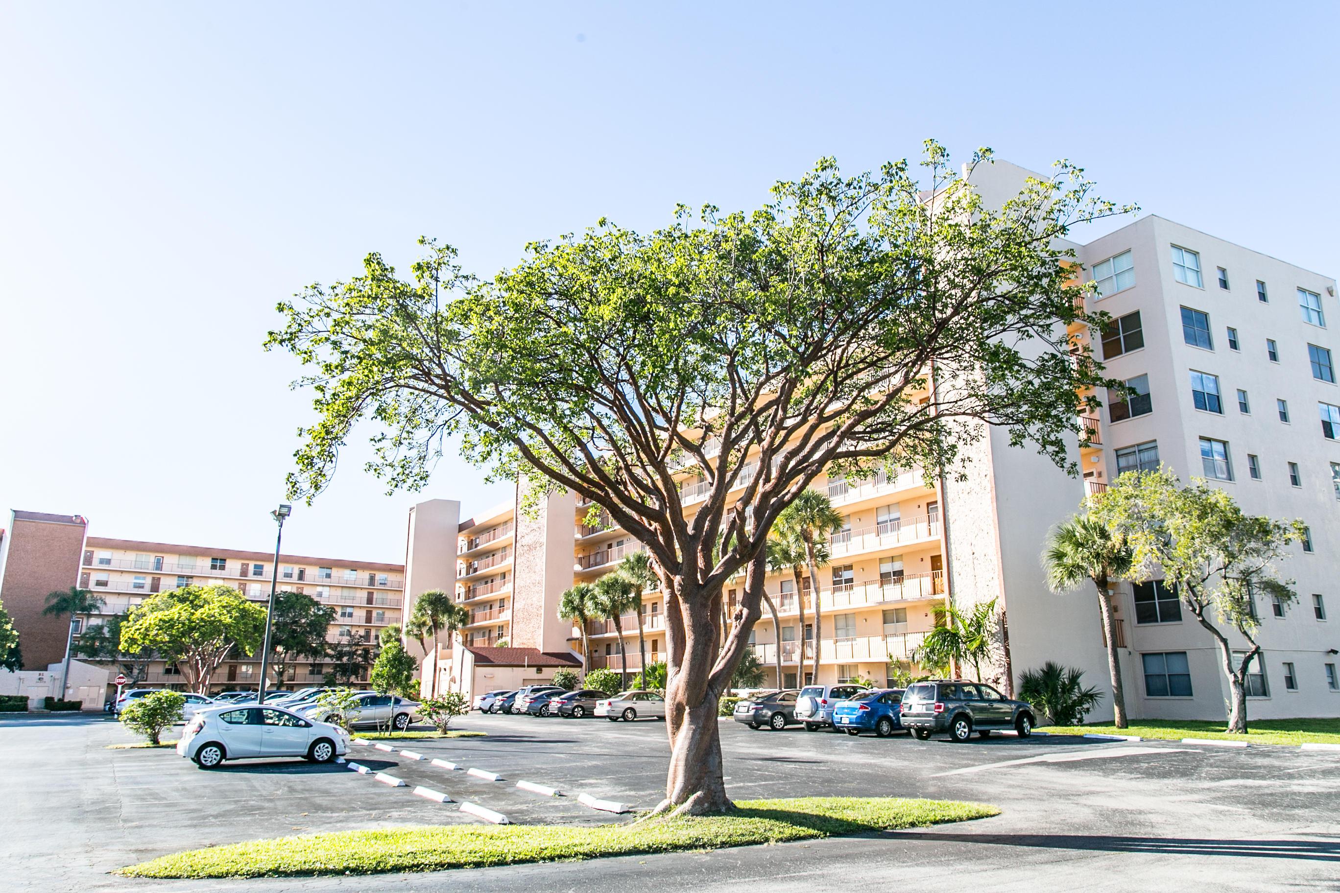 14527 Bonaire Boulevard 606  Delray Beach, FL 33446