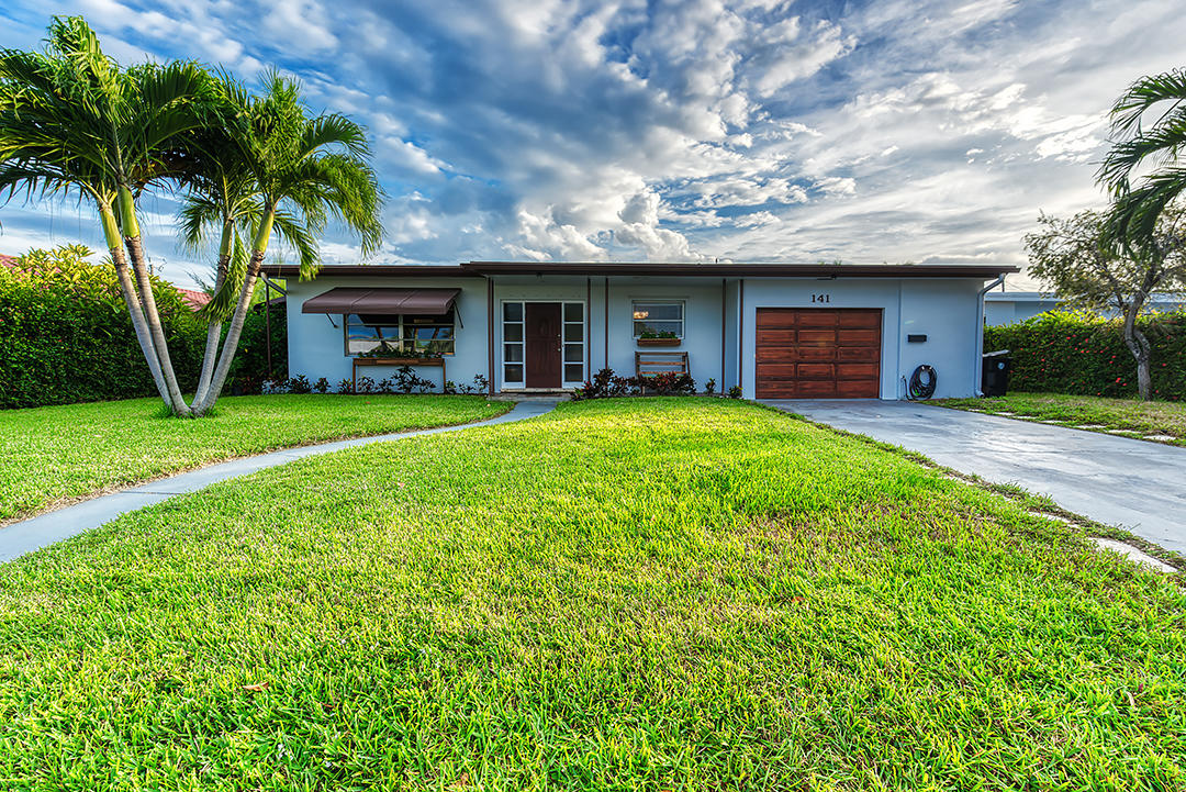 Home for sale in COLLEGE PARK ADD 3 Lake Worth Florida