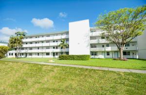 Rolling Green Condominiums