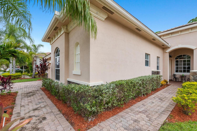 9646 Osprey Isles Boulevard Palm Beach Gardens, FL 33412 photo 4