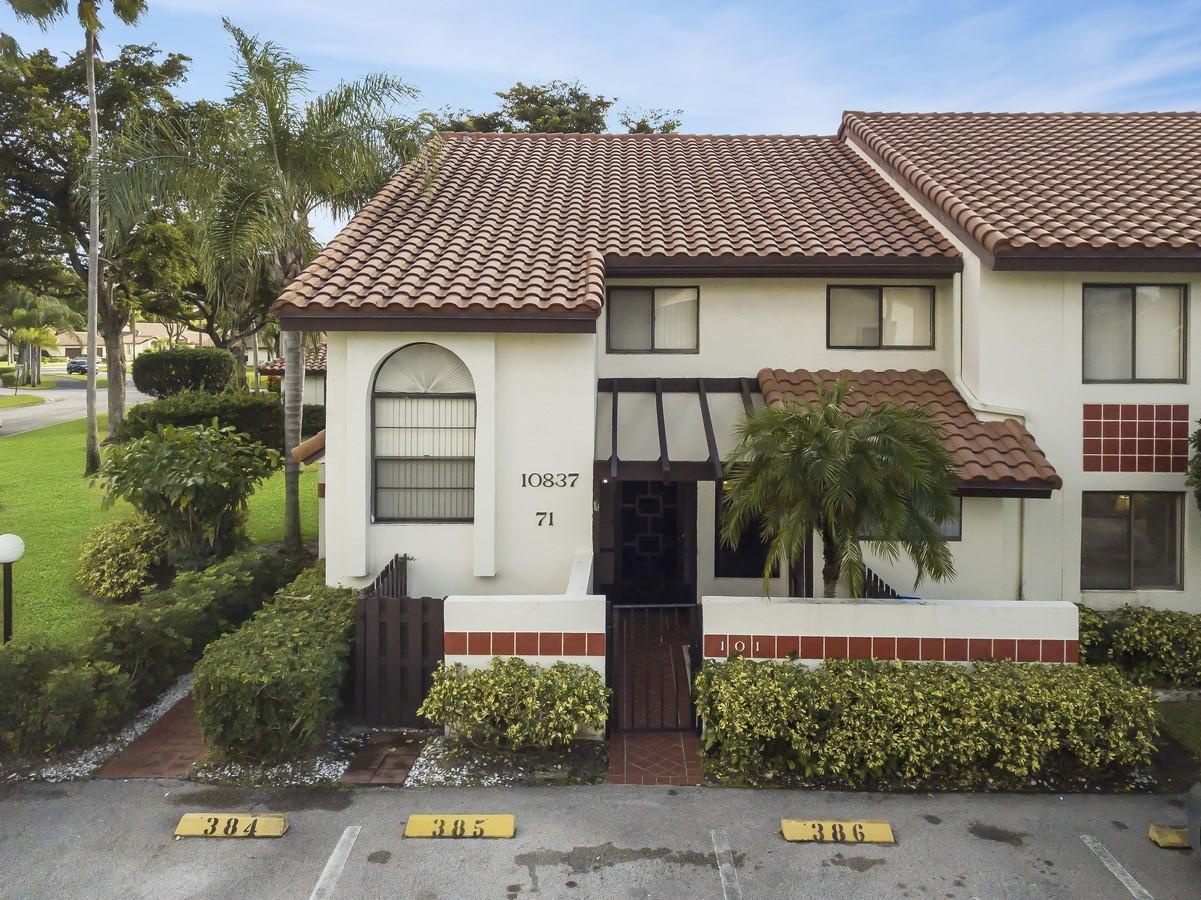 10837 Bahama Palm Way 101 Boynton Beach, FL 33437