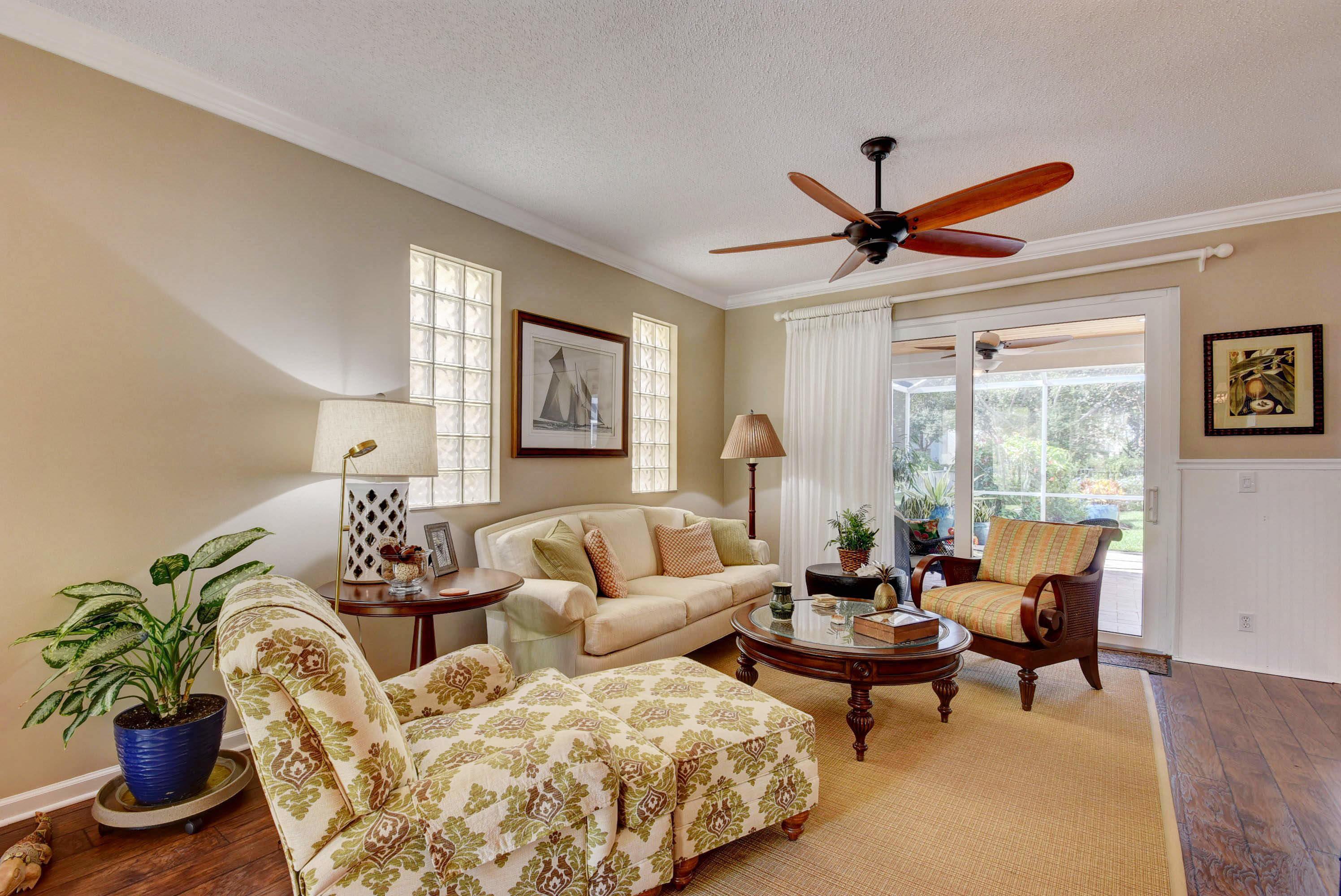 270 Kensington Way Royal Palm Beach, FL 33414 photo 3