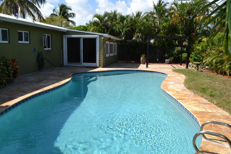 145 Gregory Place West Palm Beach, FL 33405 photo 4