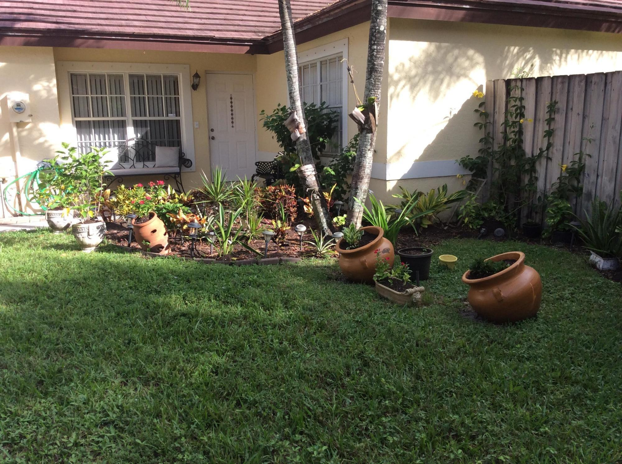 12147 S Cuddington Court Wellington, FL 33414