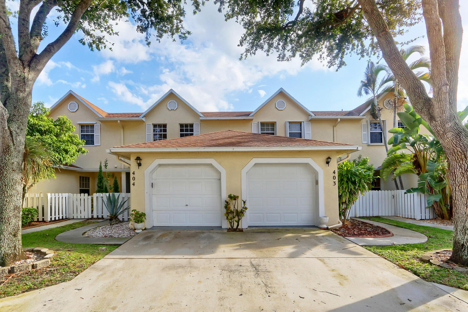 Home for sale in JOGGERS RUN Greenacres Florida