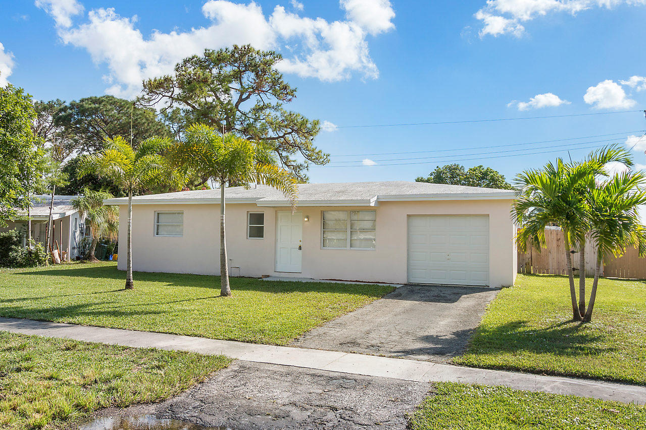 Home for sale in FOREST HILL VILLAGE 5 West Palm Beach Florida