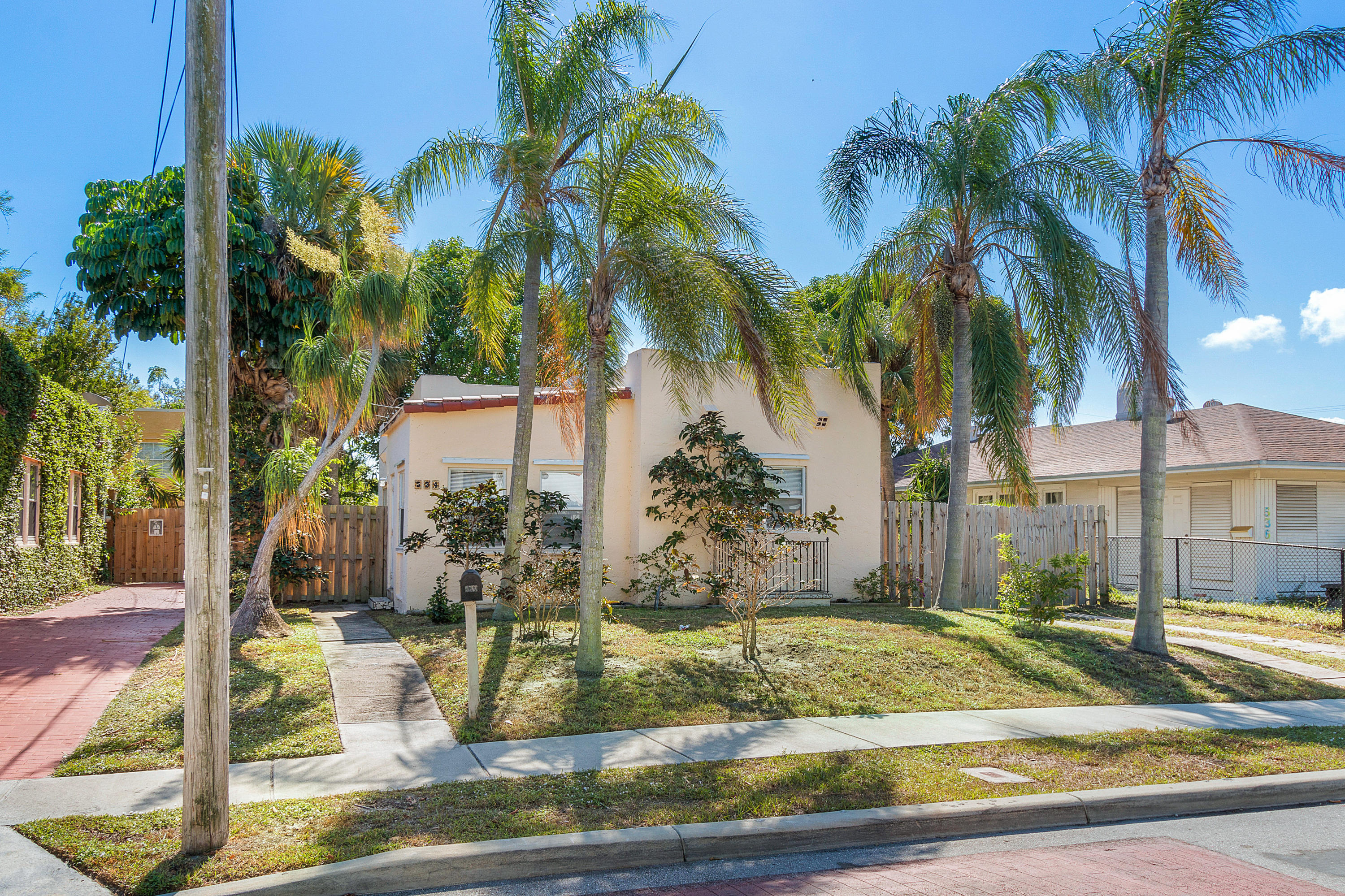 534 Hampton Road West Palm Beach, FL 33405