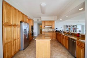 4160 N HIGHWAY A1A #207, HUTCHINSON ISLAND, FL 34949  Photo