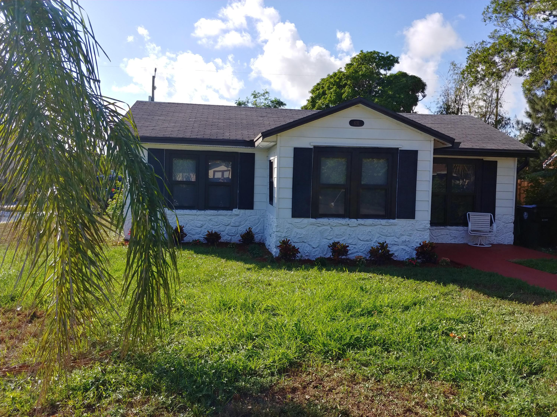 631 S B Street Lake Worth, FL 33460