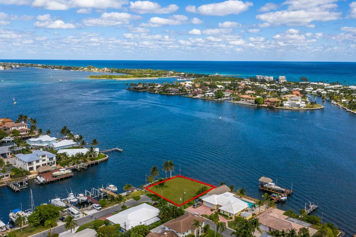 848 East Drive Boynton Beach, FL 33435