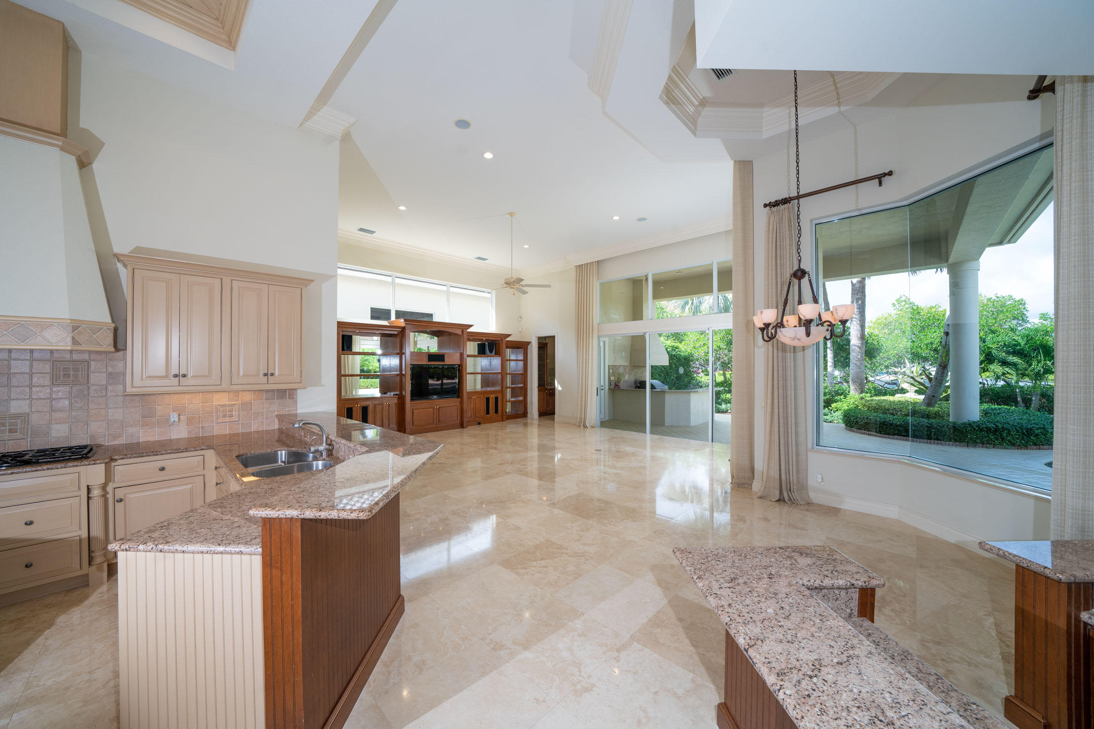 ISLANDS OF JUPITER HOMES