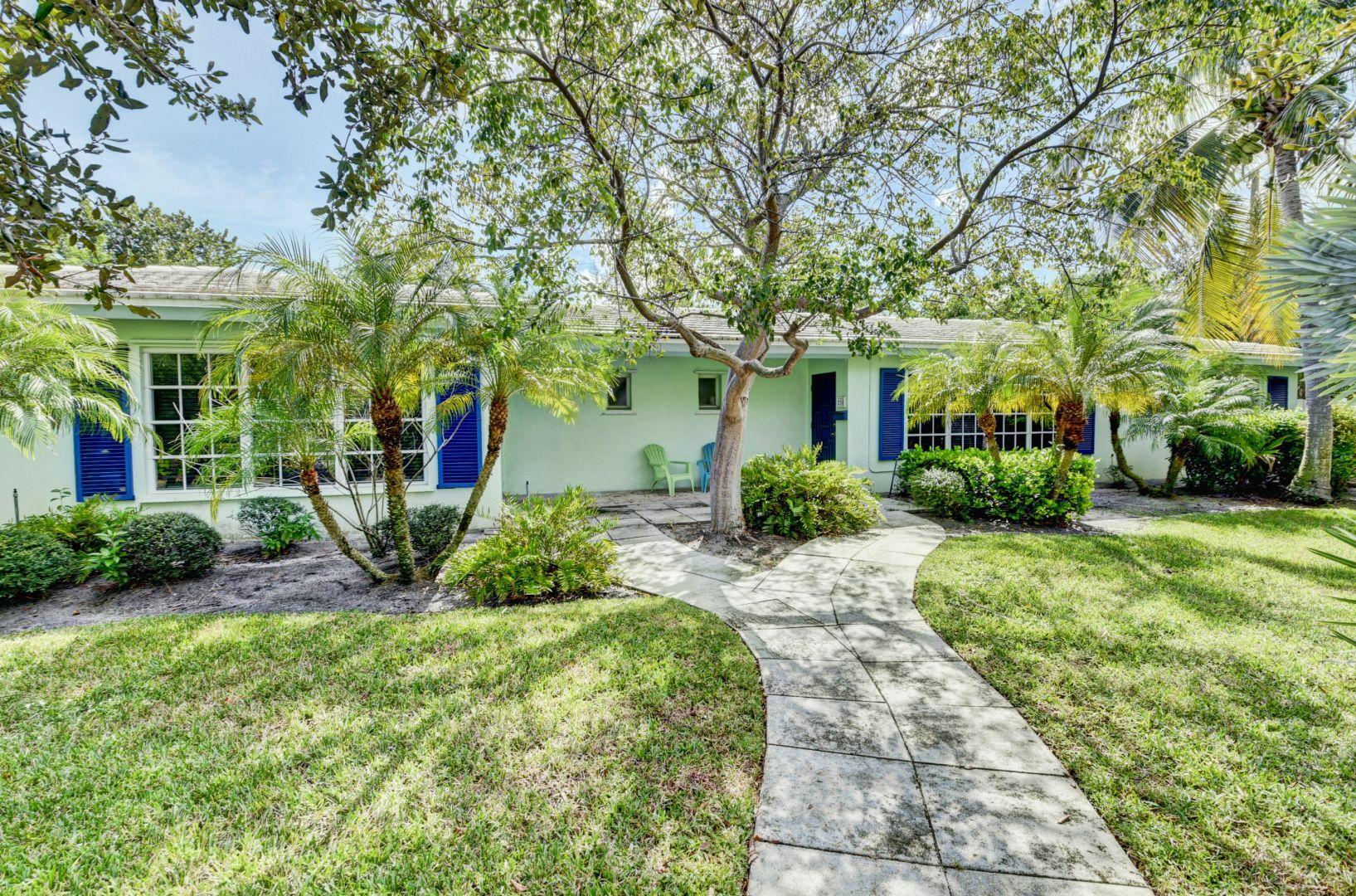208-2 Beverly Drive 208,210,21  Delray Beach, FL 33444
