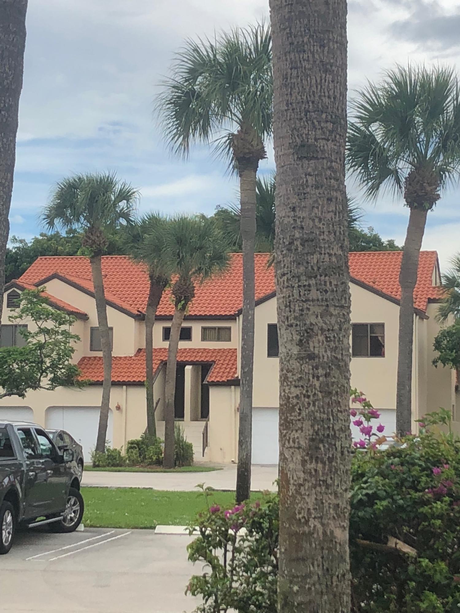 10 Via De Casas Sur 102 Boynton Beach, FL 33426