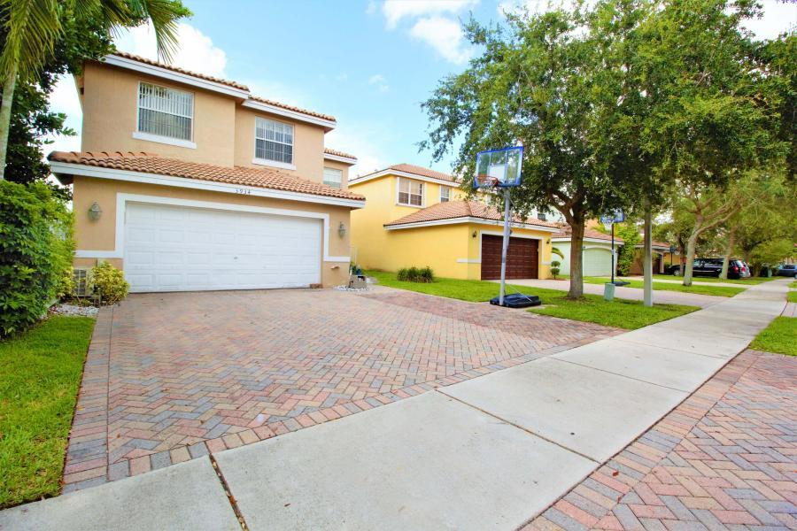 Home for sale in COCONUT POINTE Coconut Creek Florida
