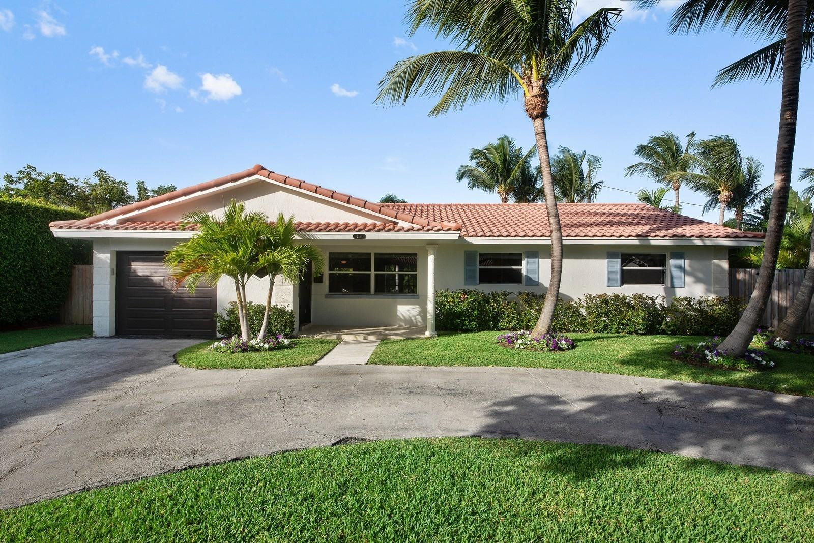 211 NW 17th Street  Delray Beach, FL 33444