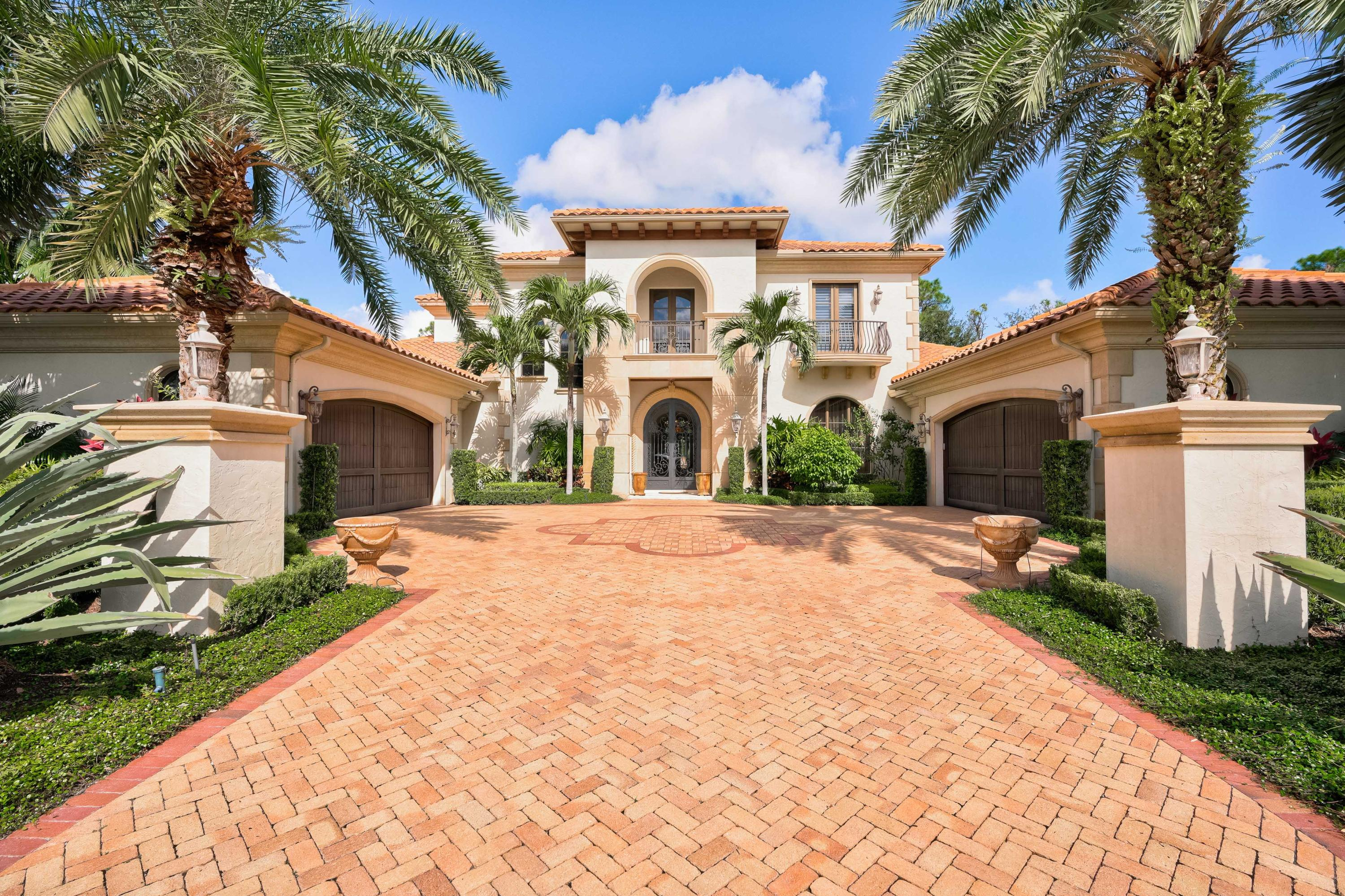 New Home for sale at 107 Via Palacio  in Palm Beach Gardens