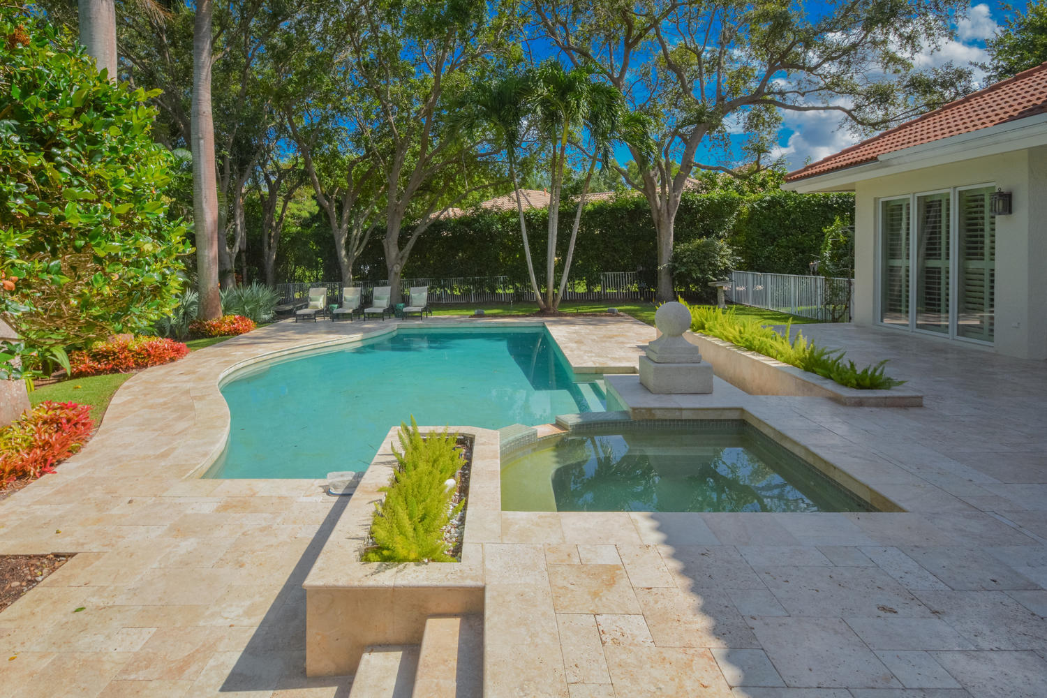 4605 NW 23rd Terrace Boca-large-010-6-Po