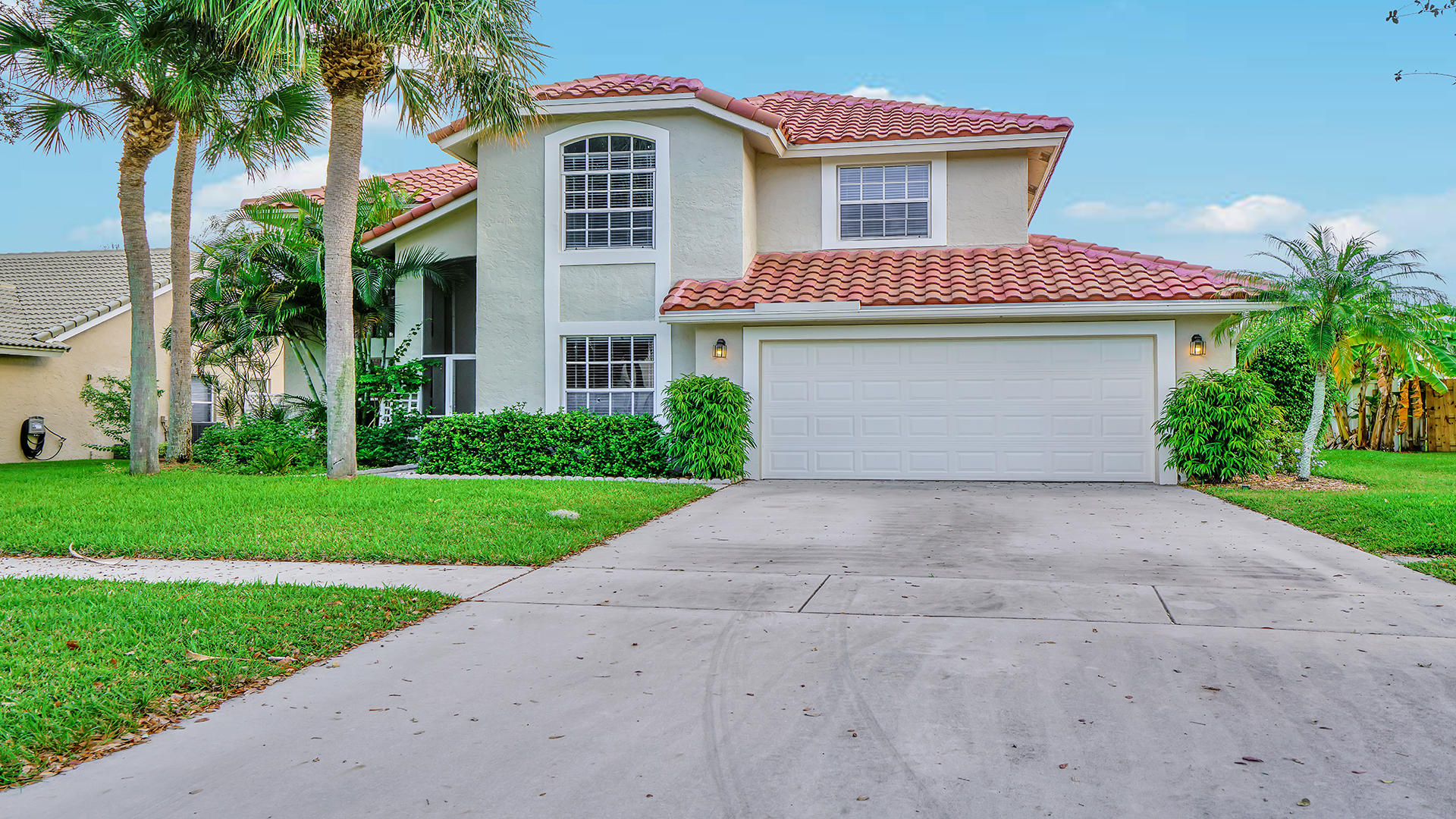 Home for sale in Lake Charleston Lake Worth Florida