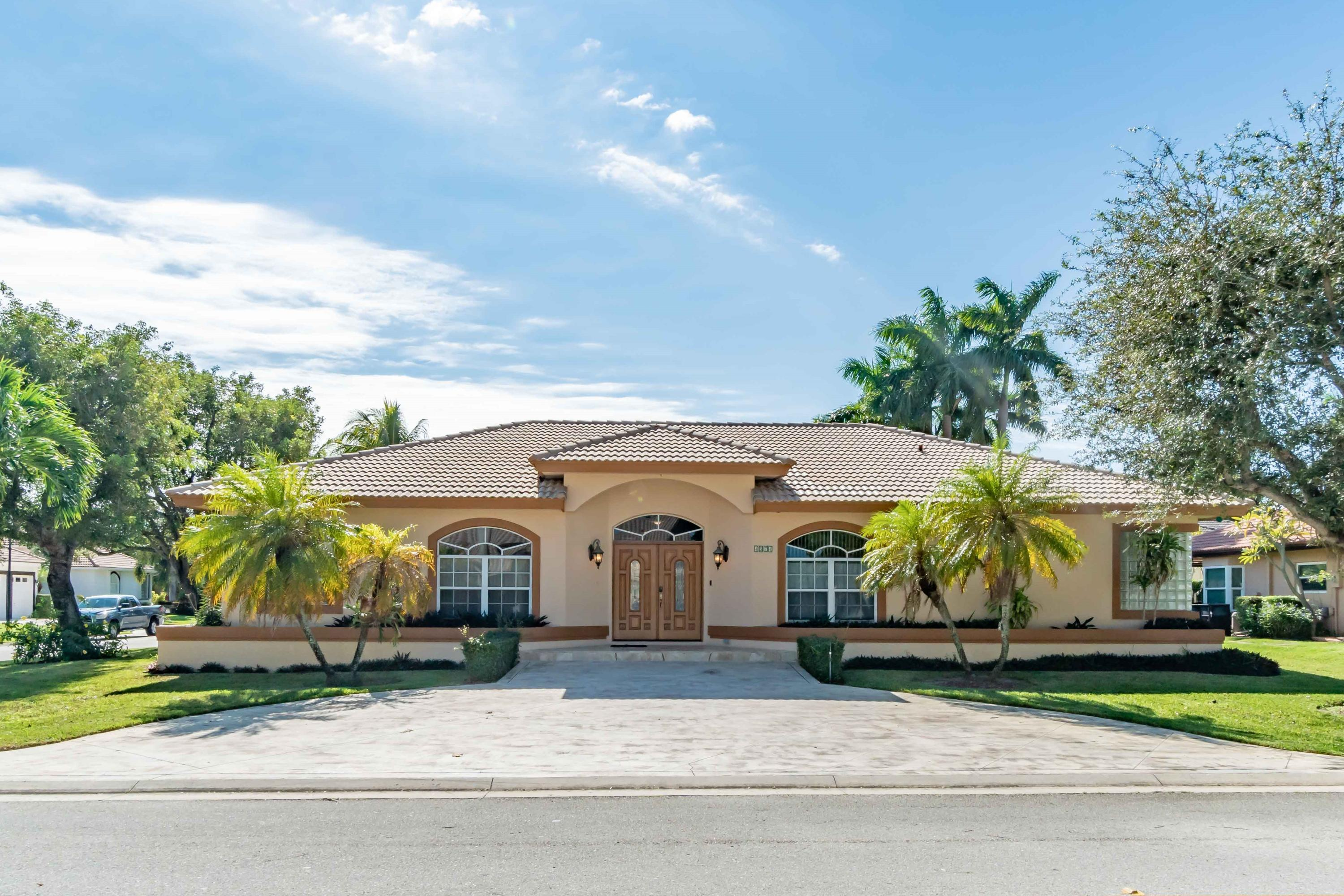 Cypress Creek Country Club Sw Quad 4574 Bucida Road