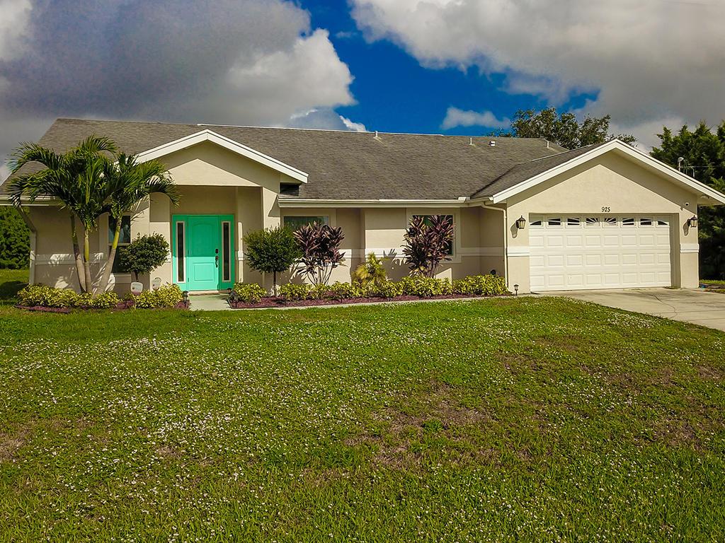 925 SW Jacqueline Avenue - Port St Lucie, Florida