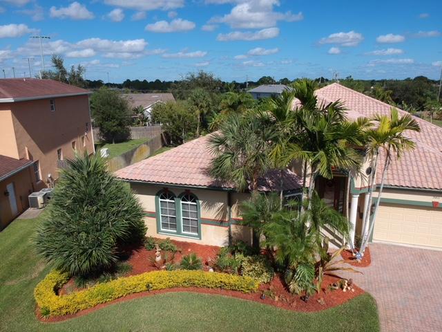 3411 SE Bevil Avenue, Port Saint Lucie, Florida