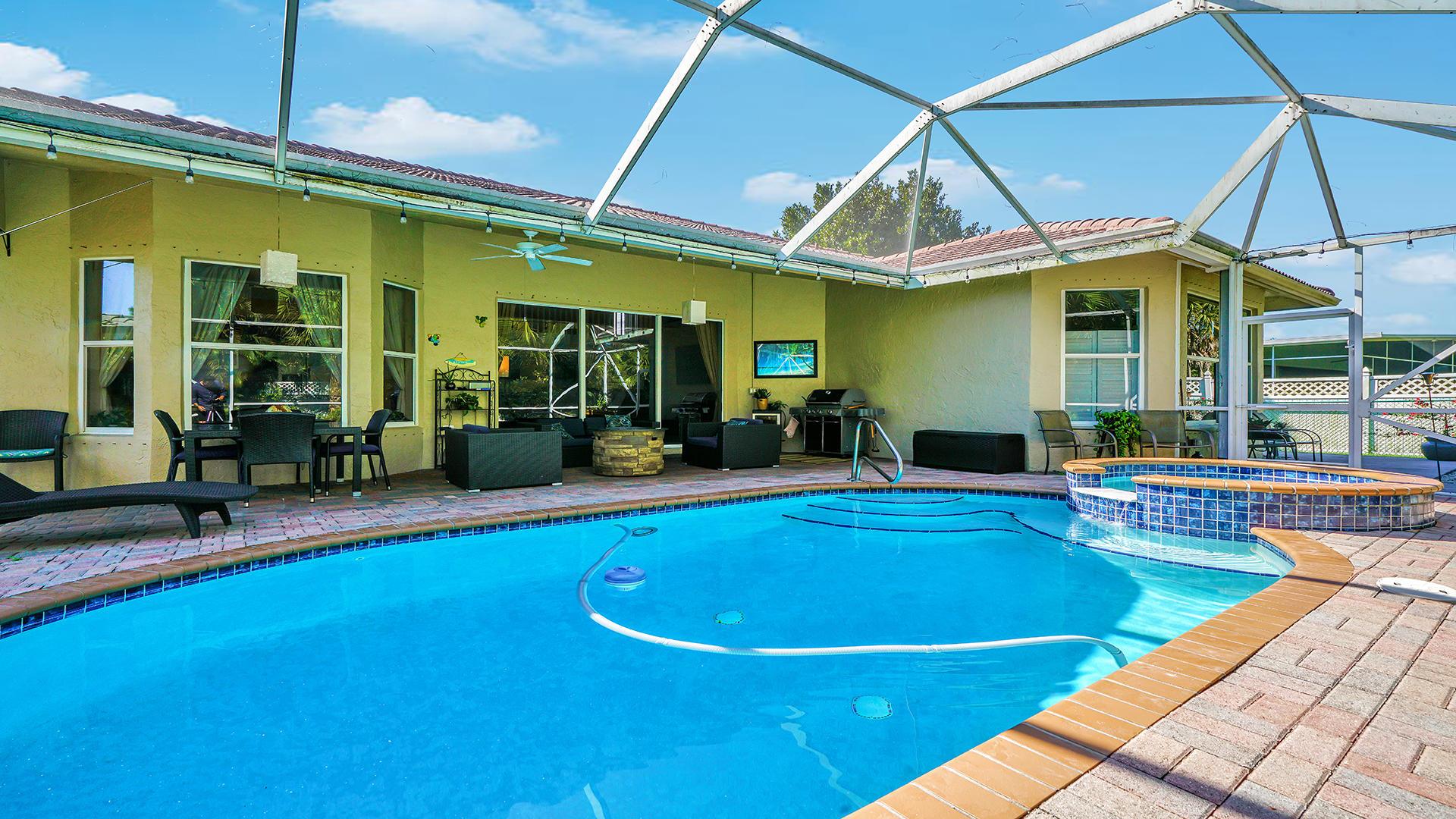 225 Park Road Royal Palm Beach, FL 33411 photo 2