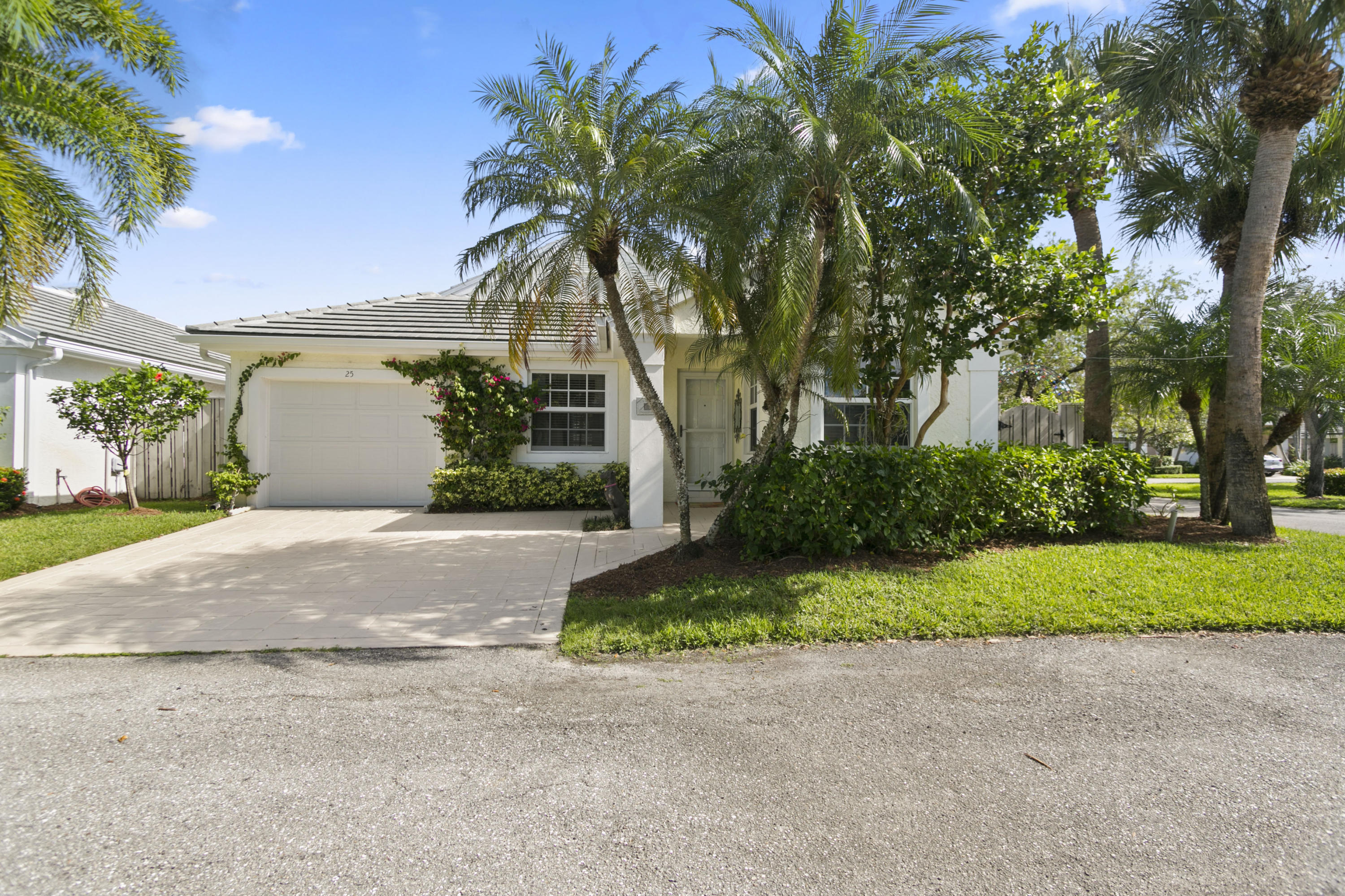25 Governors Court, Palm Beach Gardens, Florida 33418, 2 Bedrooms Bedrooms, ,2 BathroomsBathrooms,A,Single family,Governors,RX-10480978