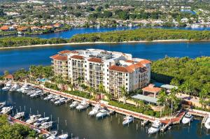 Jupiter Yacht Club
